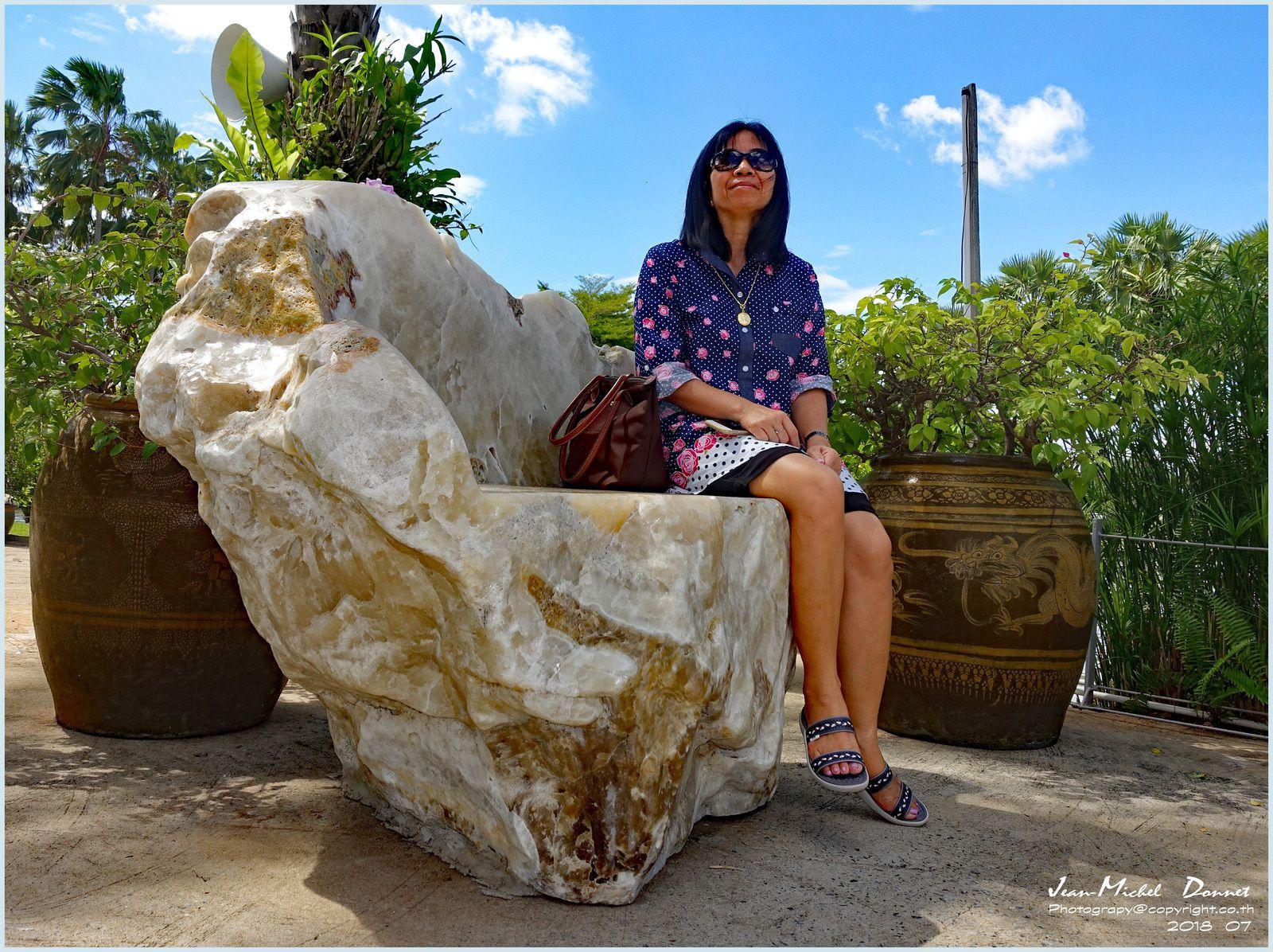 """""""Wat Luang Phor Toh"""" suite des photos et le jardin attenant"""