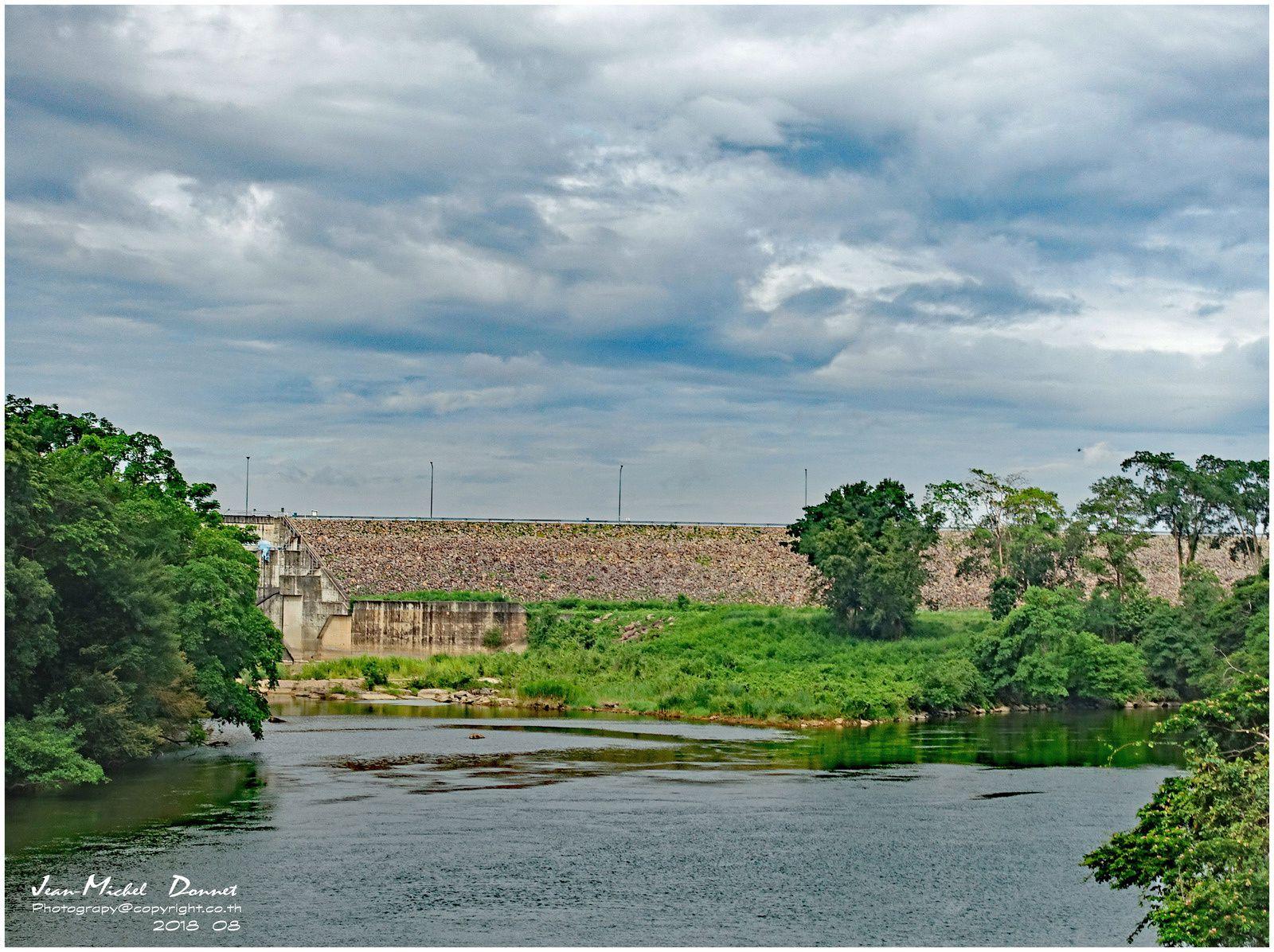 Images autour du barrage d'Ubolratana Dam