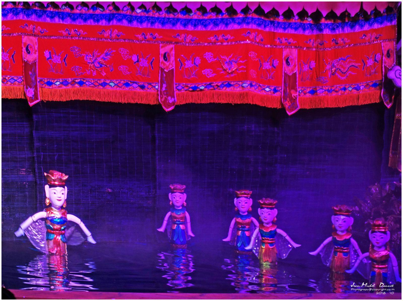 Spectacle de marionnettes aquatiques (Ha Long, Viêt Nam)