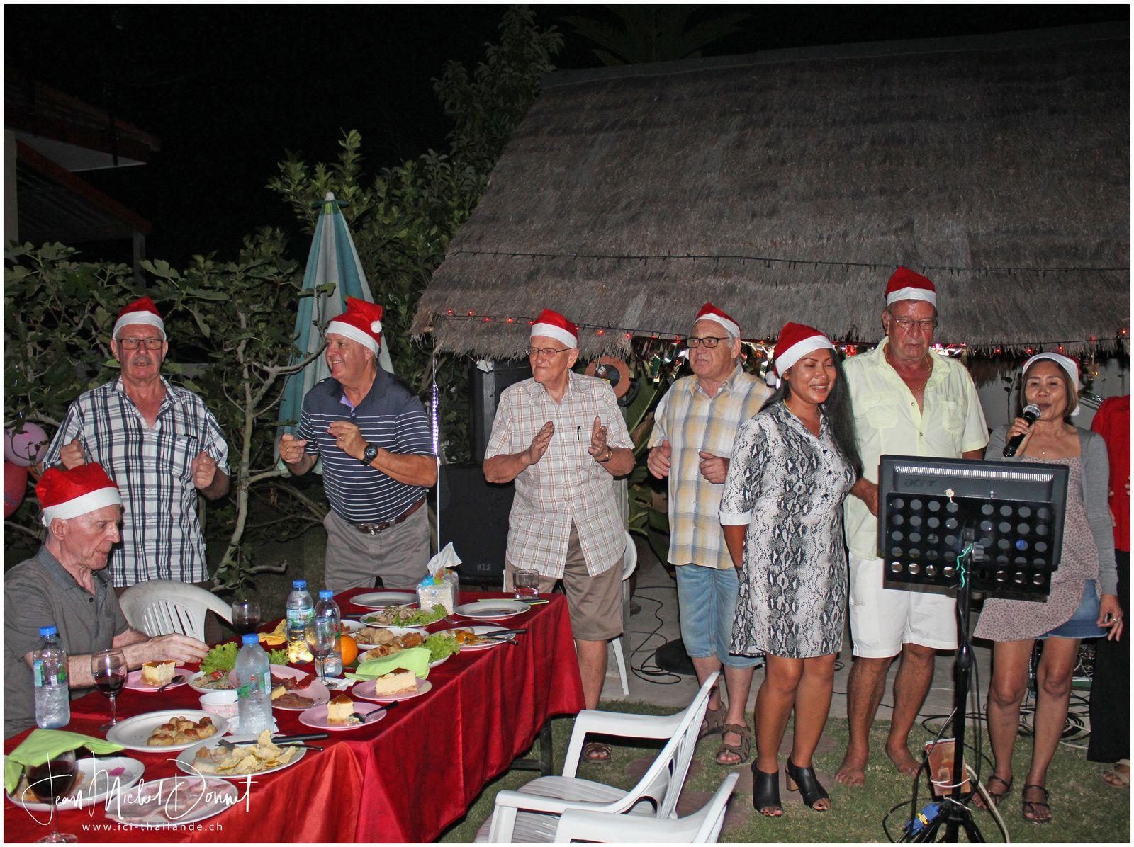 La soirée organisée pour Noël (Thaïlande)
