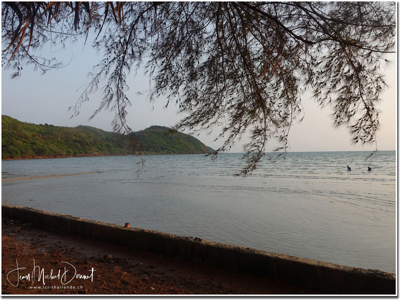 Soirée en bord de plage (Chantaburi)