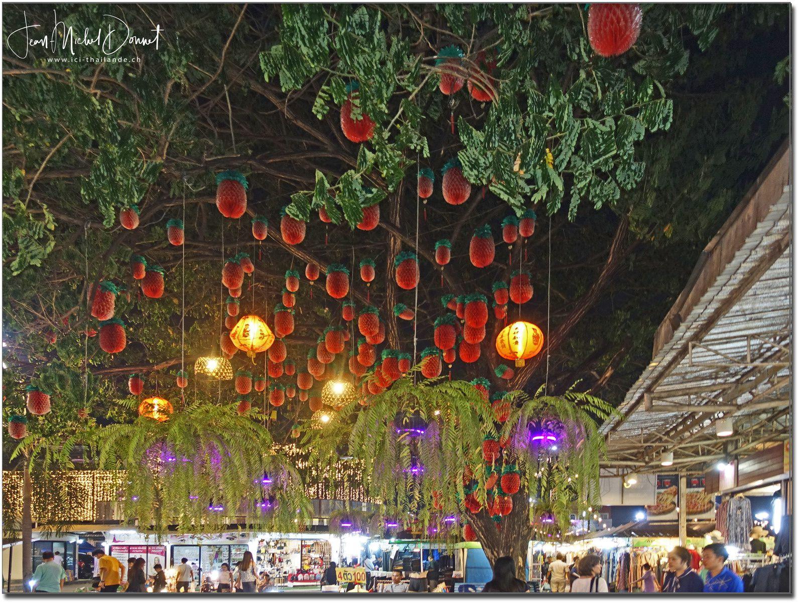 Le marché de nuit de Khon Kaen (Ton Tann)