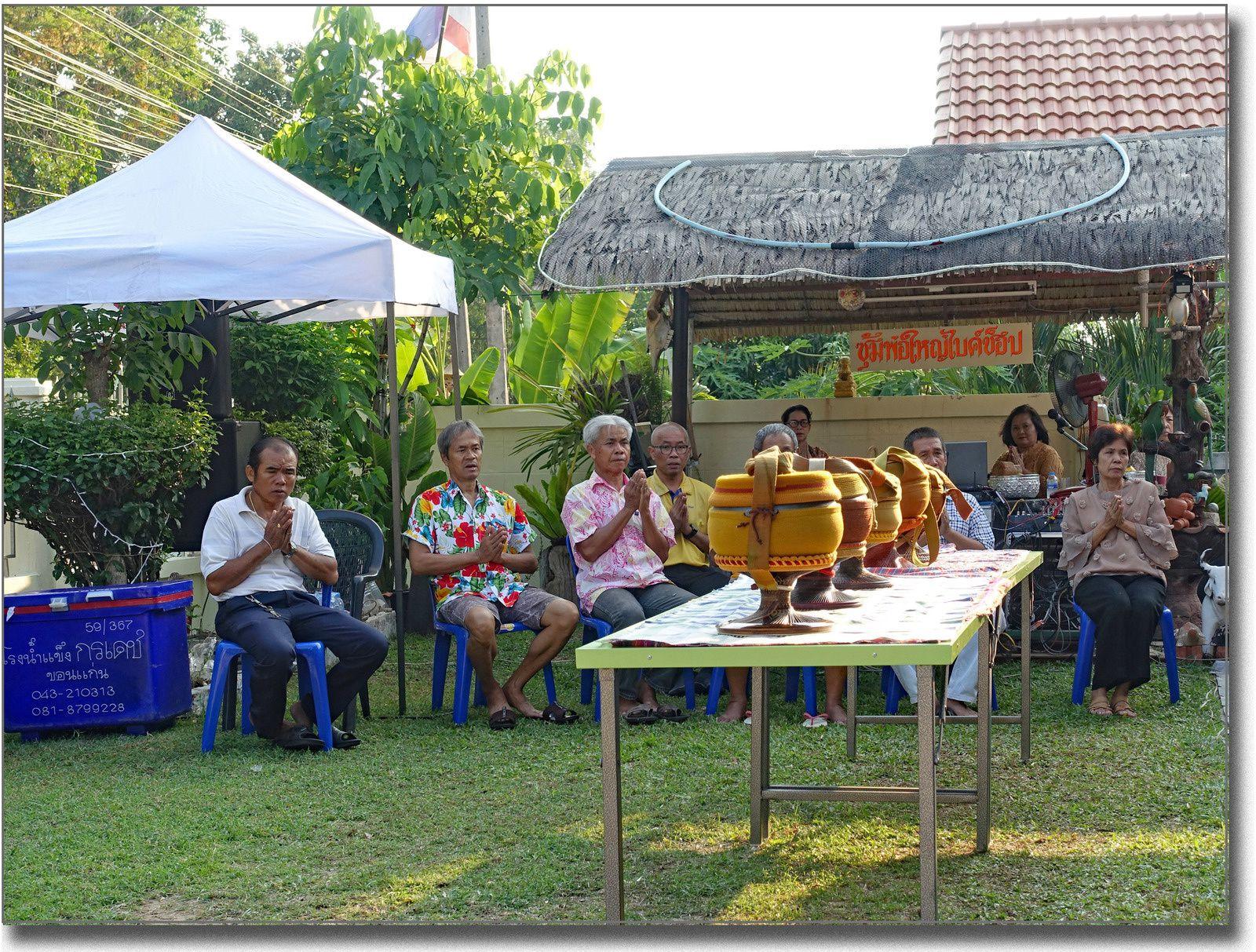 L'anniversaire de notre voisin Samroeng (Thaïlande)
