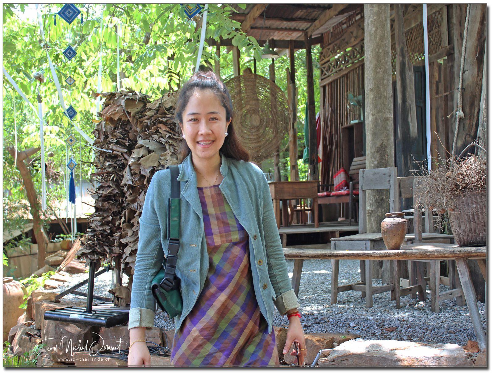 L'heure du café.... (Thaïlande, Ubonrat)