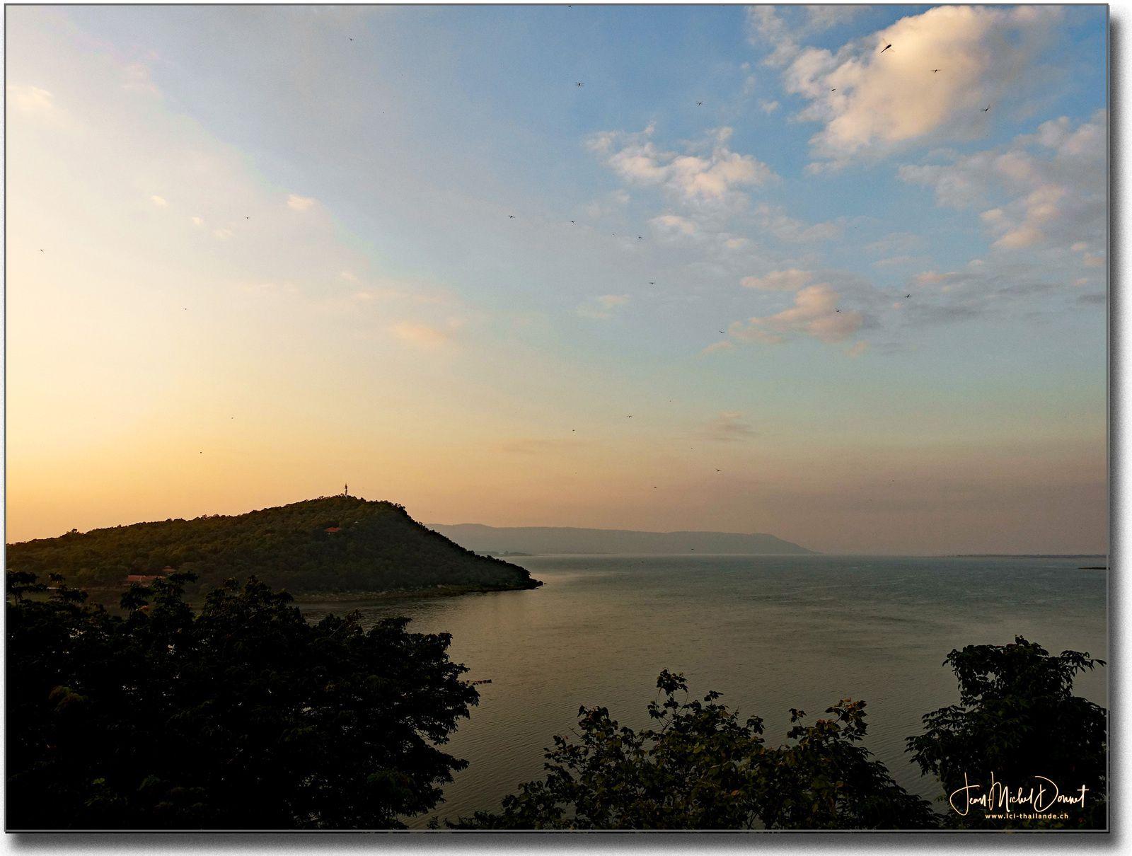 Dans la tranquillité de l'Issan (Thaïlande)