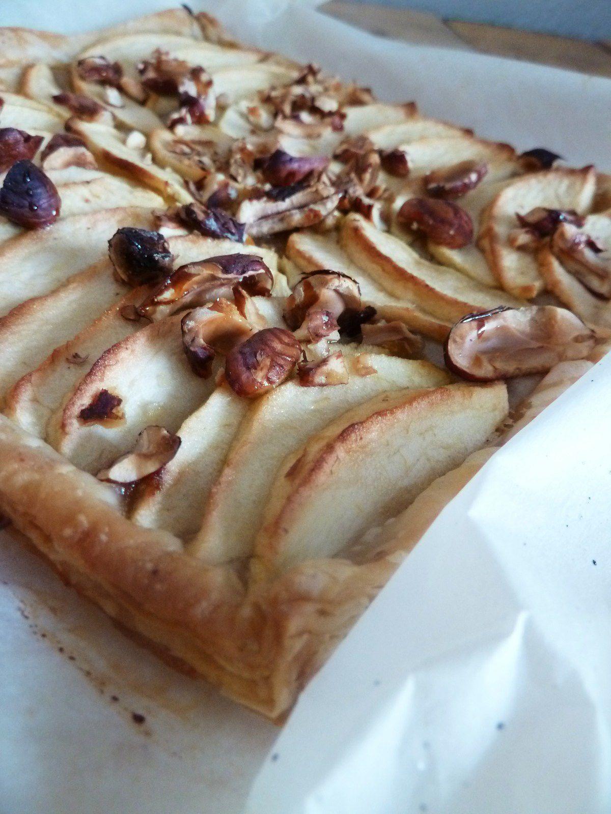 Tarte aux pommes, miel et noisettes pour impressionner belle maman (culino version)