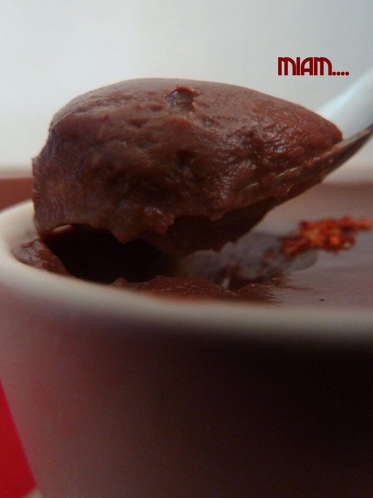 Crèmes au chocolat et piment d'espellette