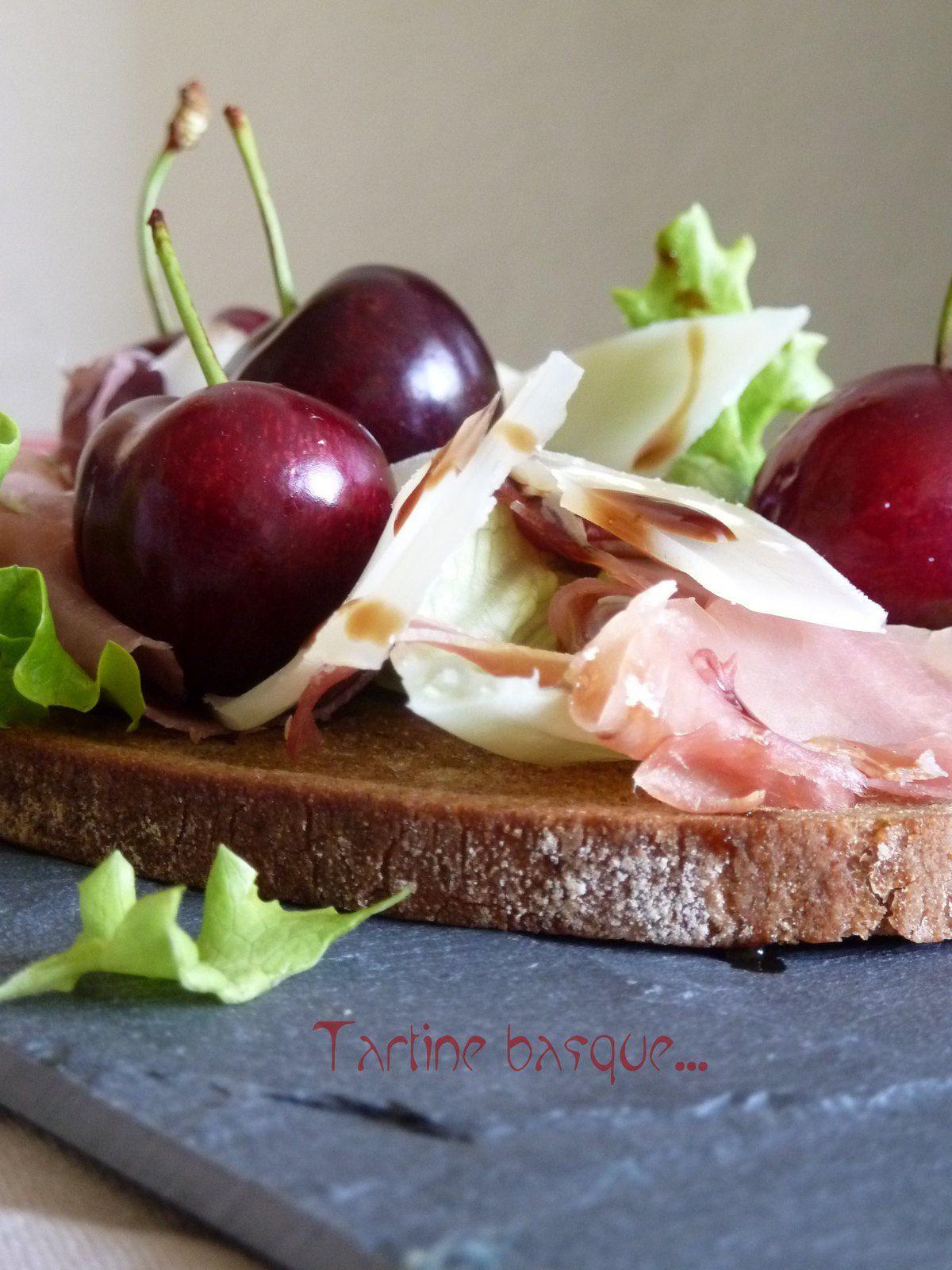 Tartine basque: ossau iraty, jambon de bayonne et cerises