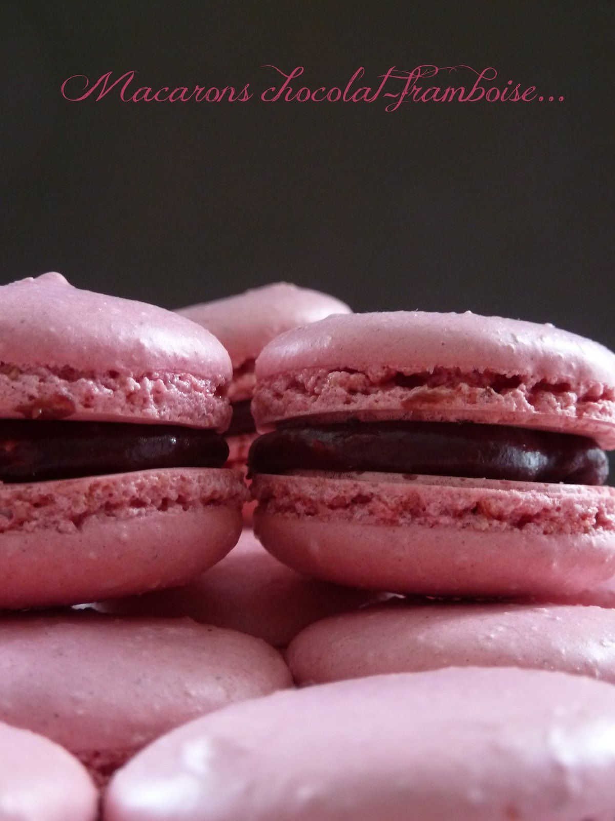 Macaron chocolat-framboise