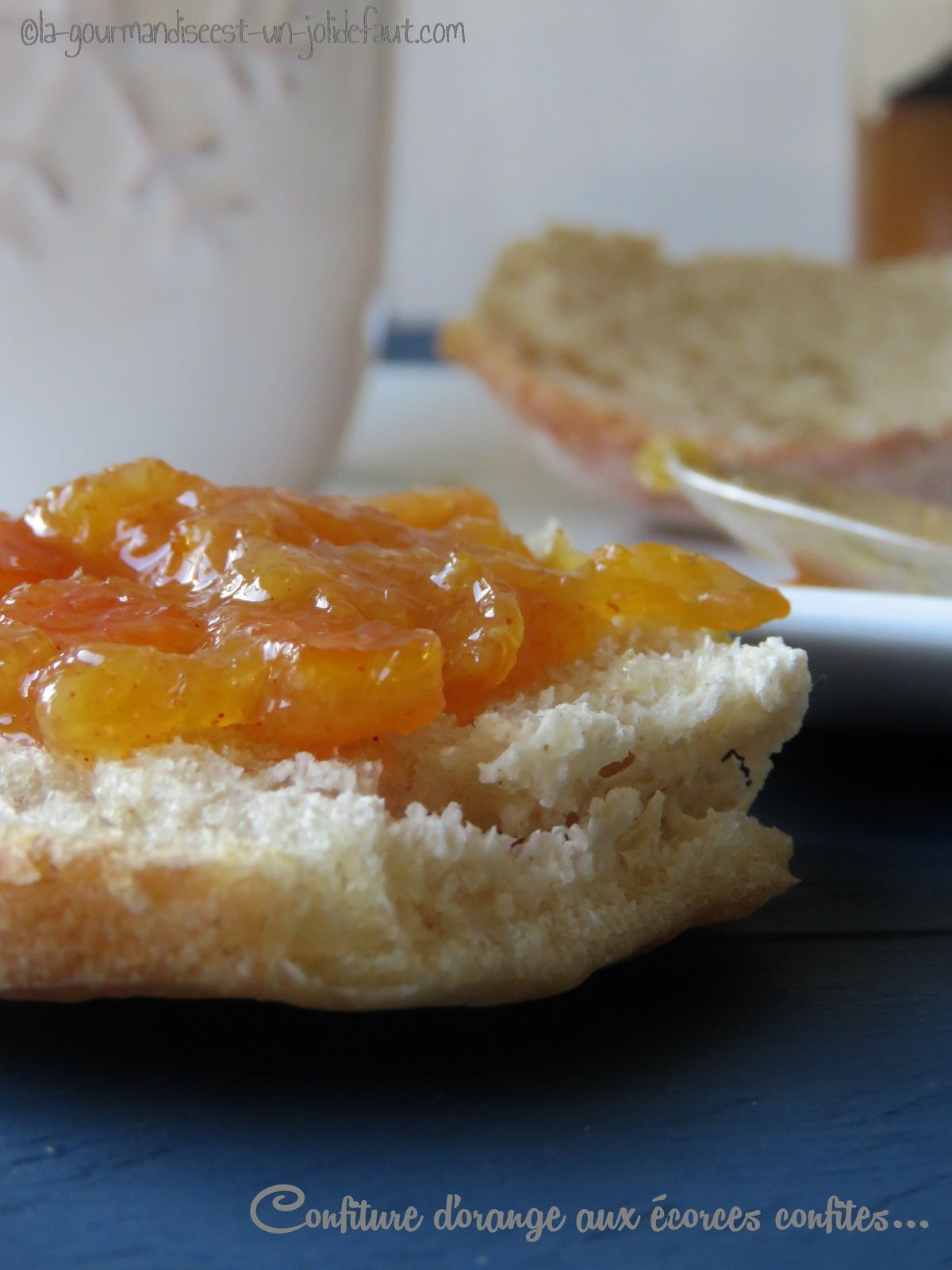 Confiture d'orange aux écorce confites et à la cannelle