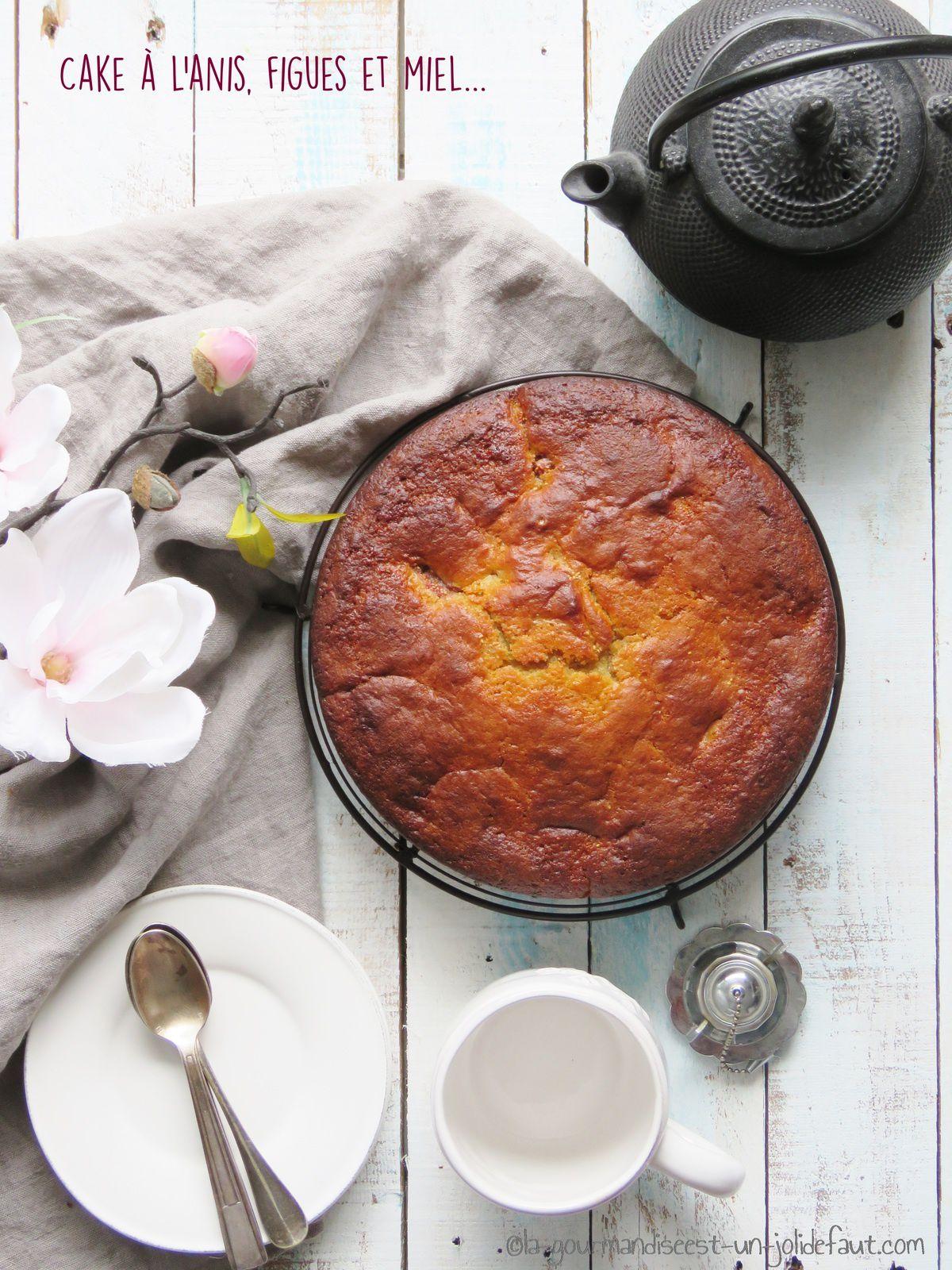 Cake à l'anis aux figues et au miel