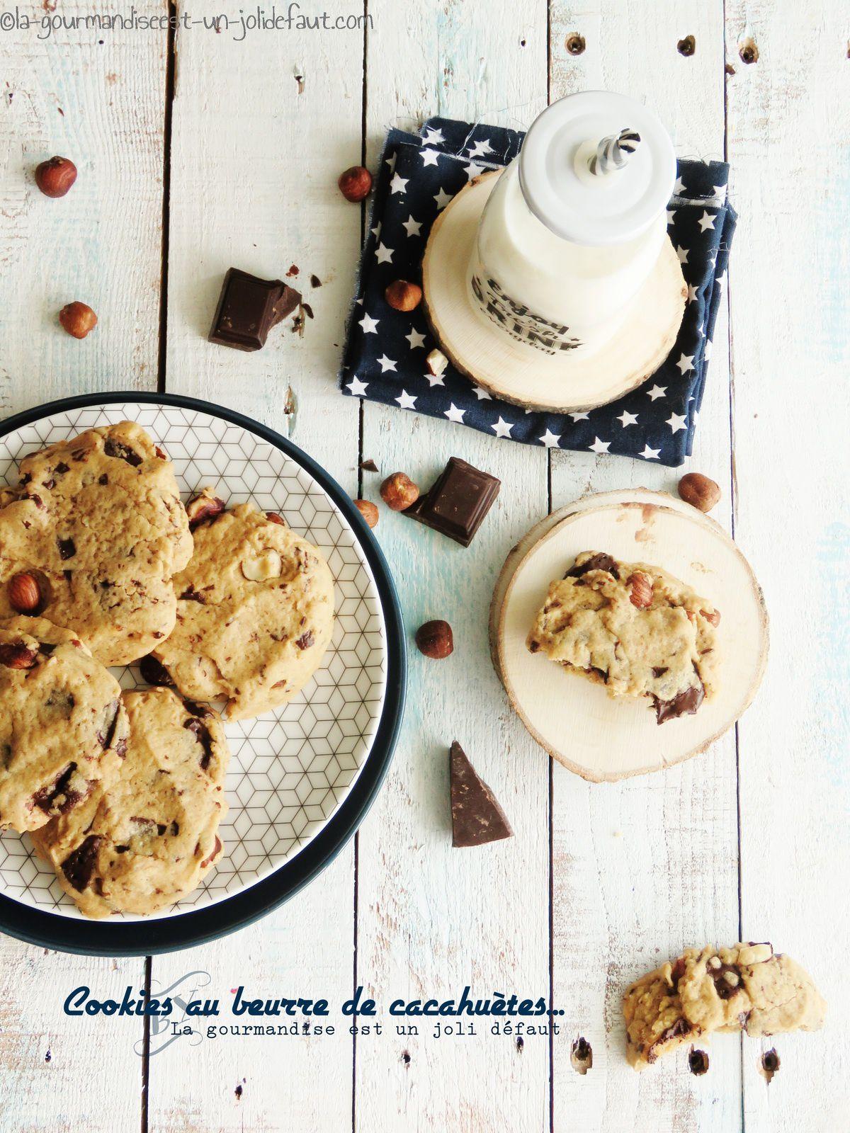 Cookies au beurre de cacahuètes, noisettes et chocolat noir