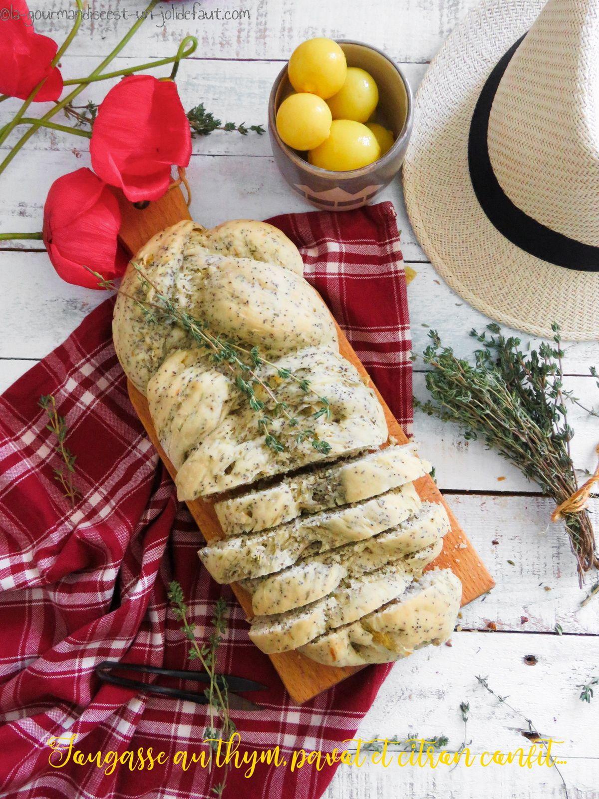Fougasse au thym, pavot et citron confit