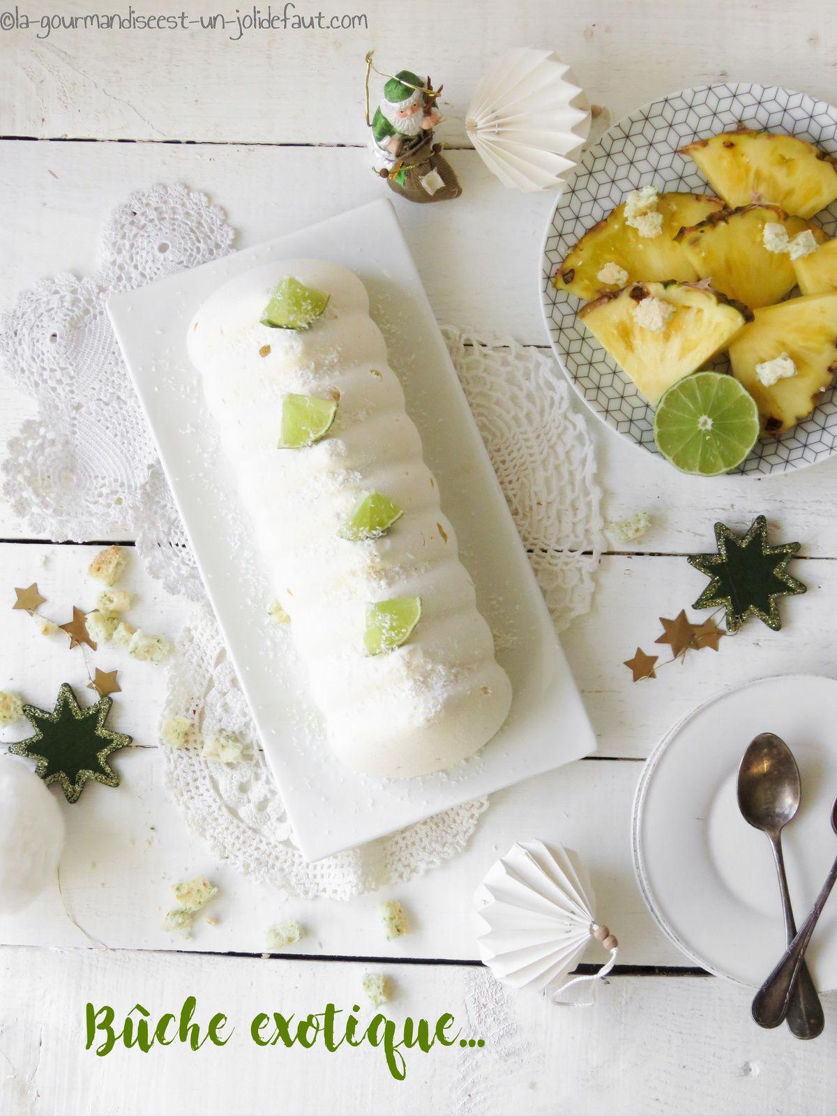 Bûche exotique (ananas-coco-vanille)