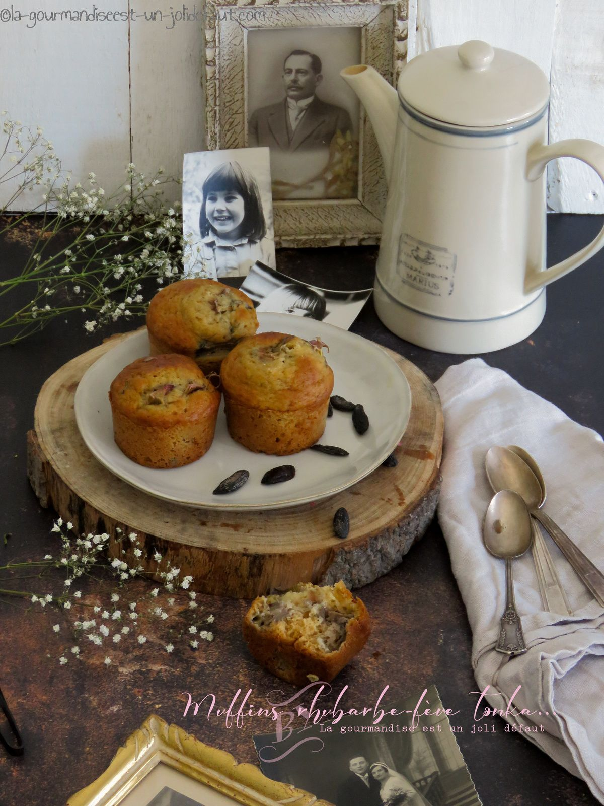 Muffins à la rhubarbe et fève tonka