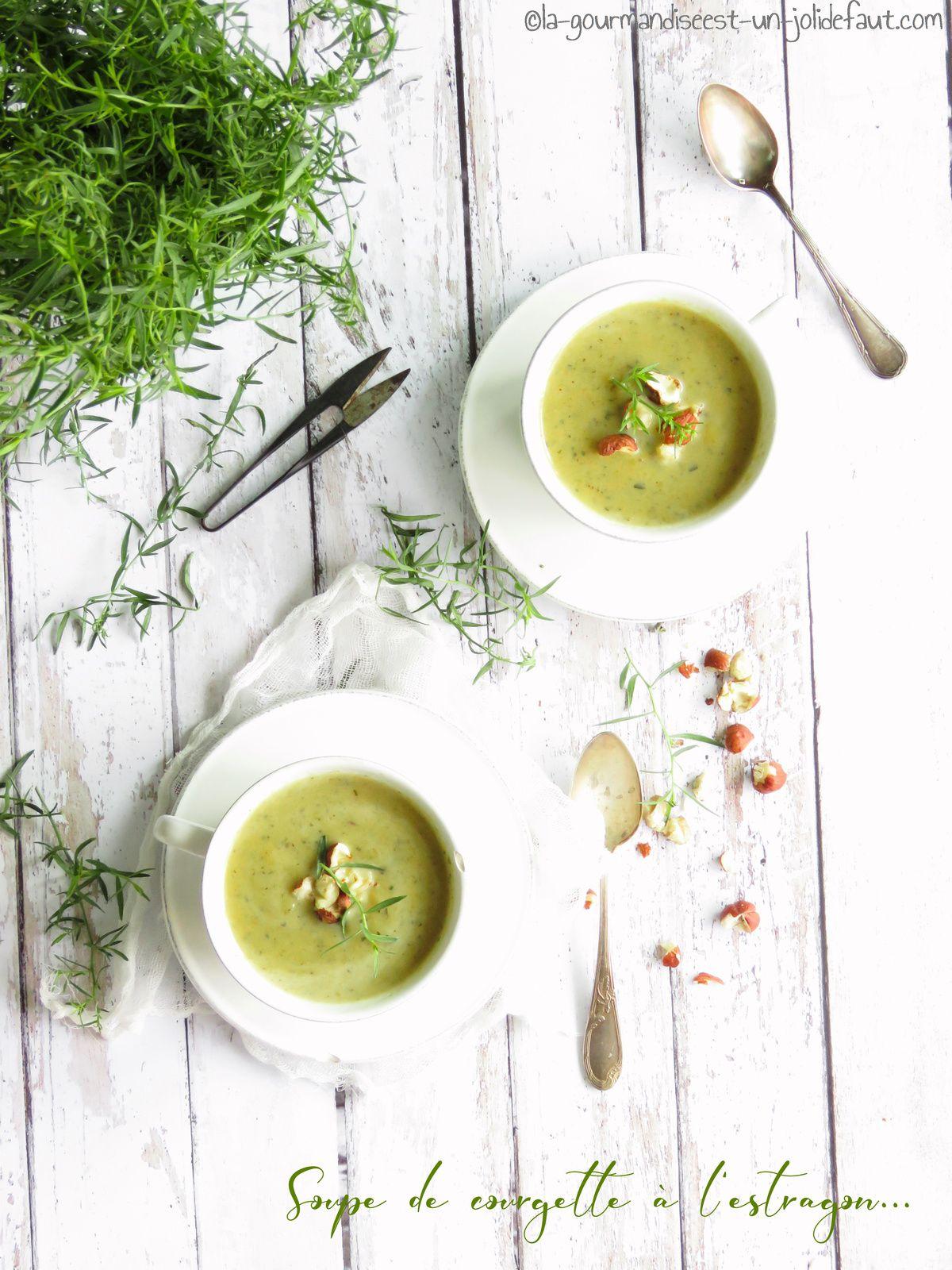 Soupe de courgette et poivron à l'estragon