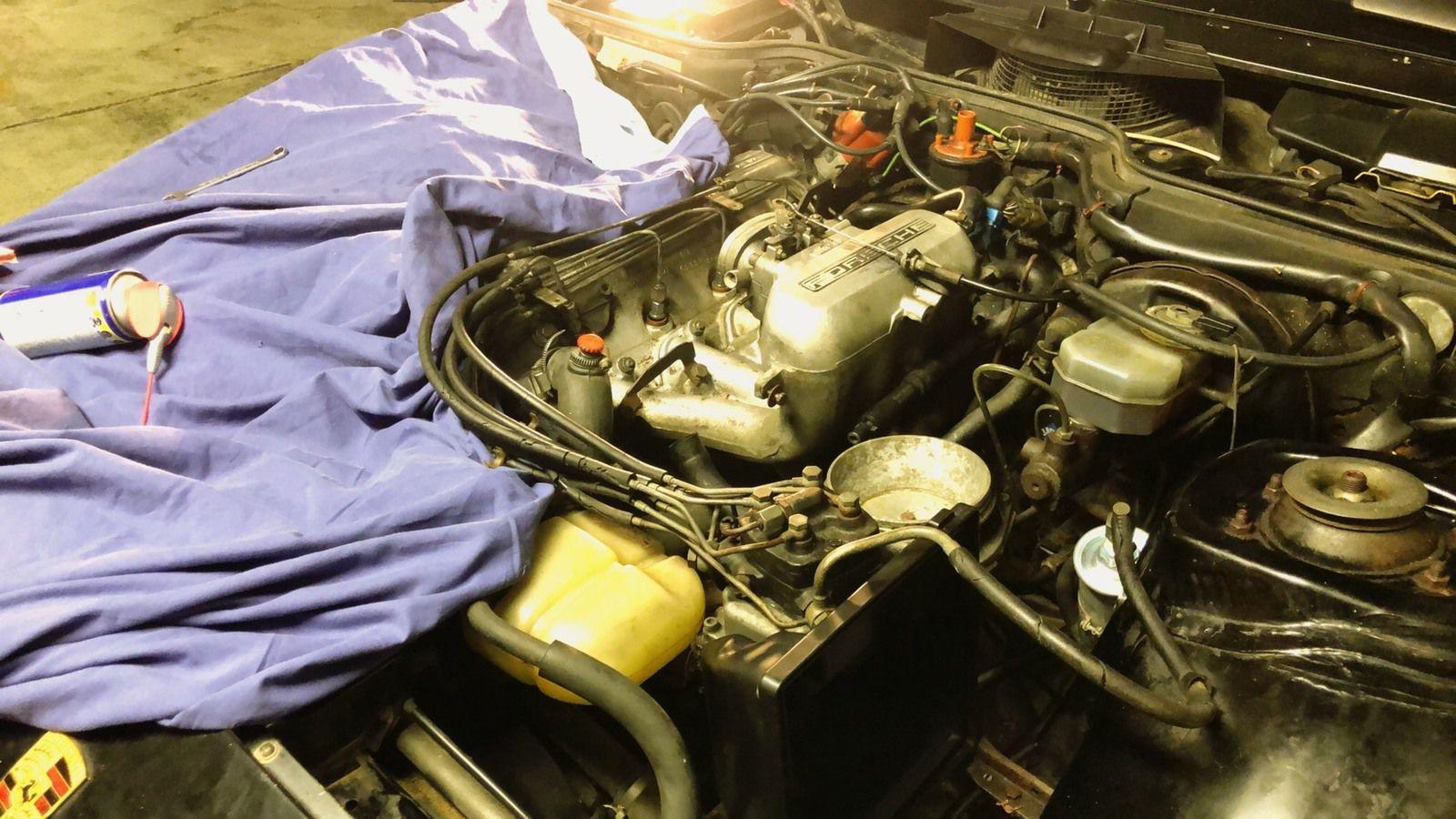 Porsche 924 : Démarrage à froid, premier démarrage !
