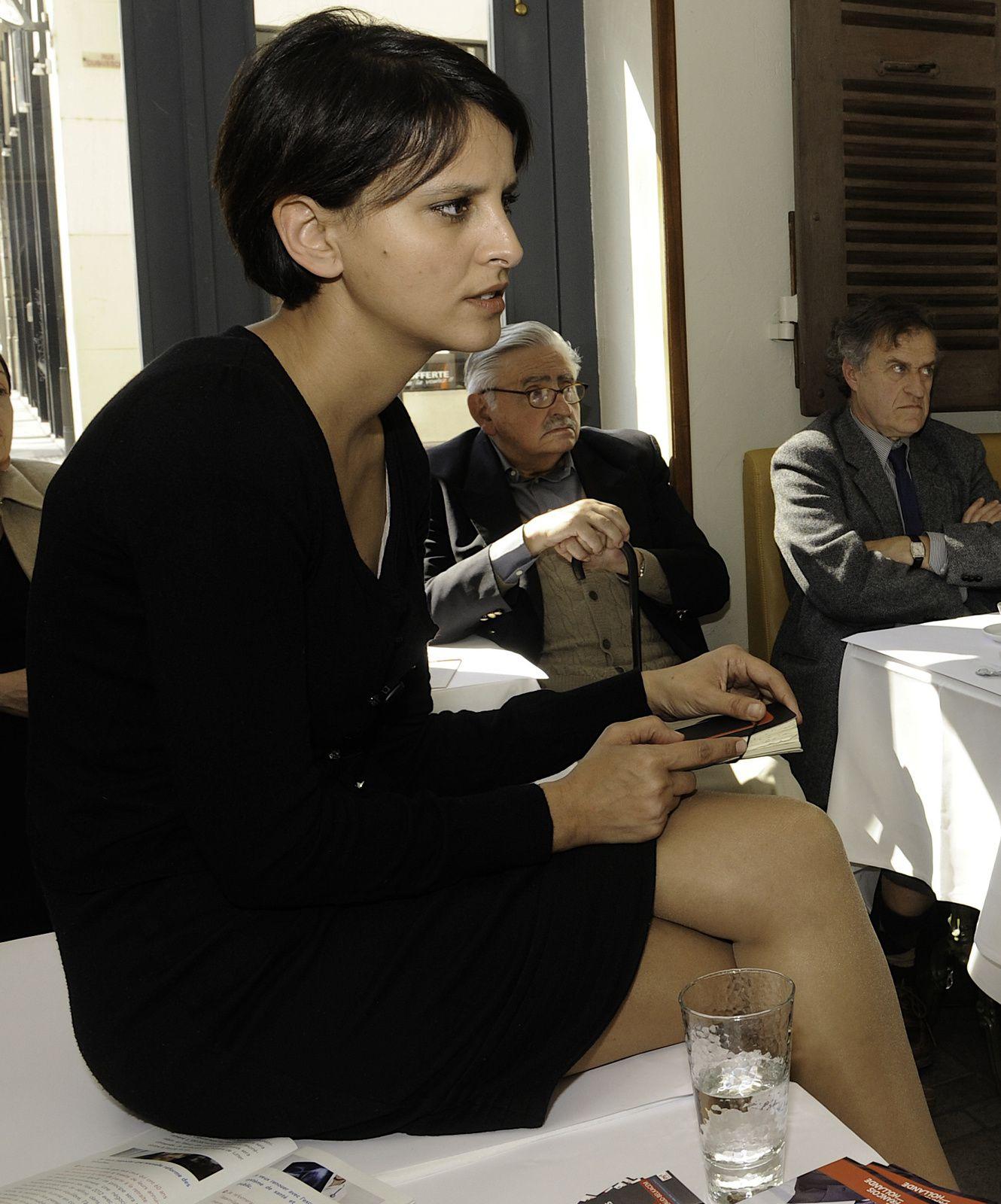 Najat Vallaud-Belkacem NVB belles jambes