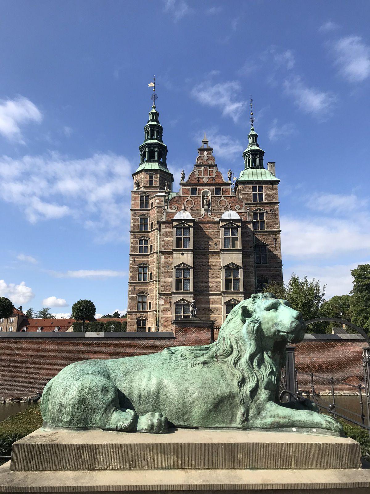 La Round Tower e il Castello di Rosenborg meritano una visita!