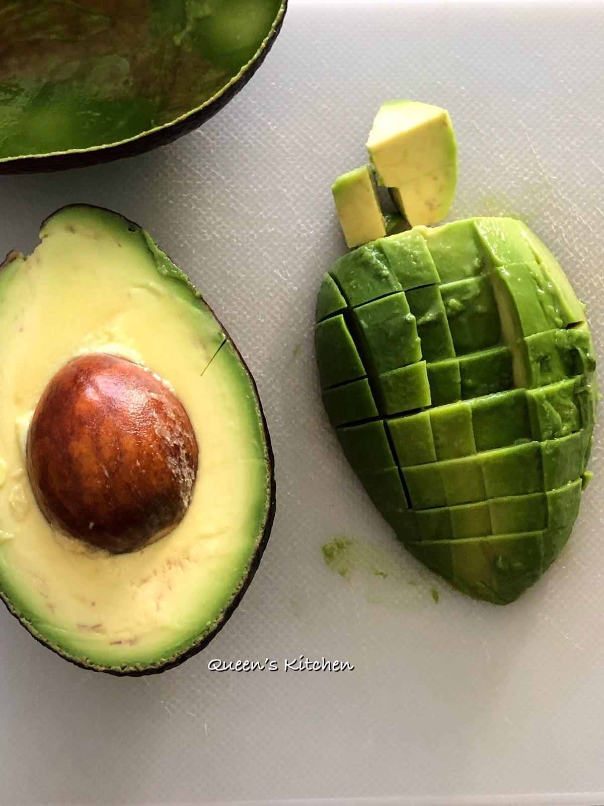 Scegliamo l'avocado al giusto grado di maturazione.