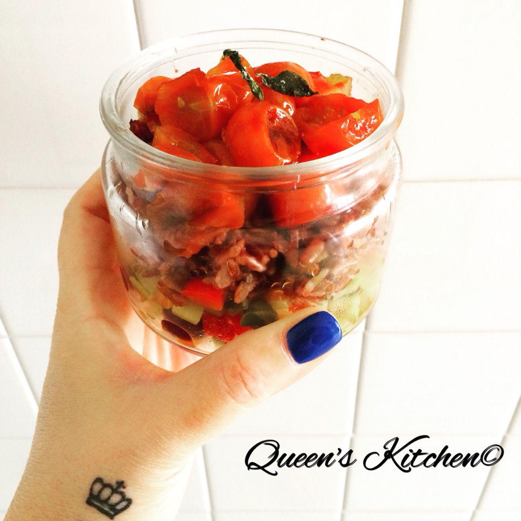 riso rosso con verdure in agrodolce e pomodorini caramellati