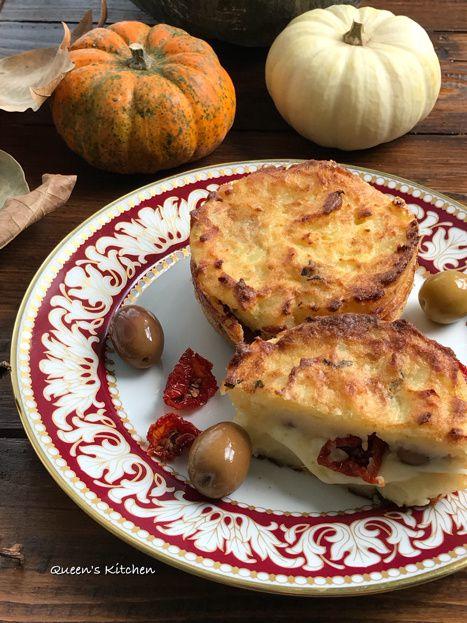 sformatini di patate filanti con pomodori secchi e olive
