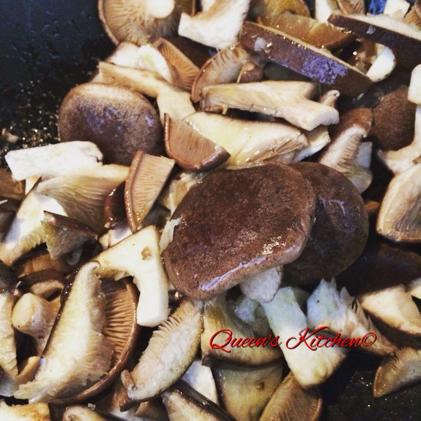 tagliatelle con funghi radicchio e noci