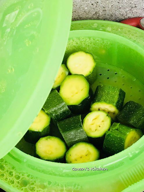 Maccheroncini con Crema di Zucchine, Ricotta e Menta
