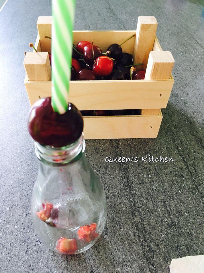crostatina alle ciliegie con ricotta e cioccolato senza cottura