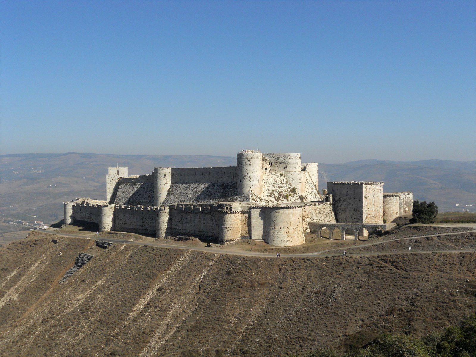 ( Lawrence d'Arabie écrivait en 1908 « Sans doute le mieux conservé et le plus admirable château du monde)