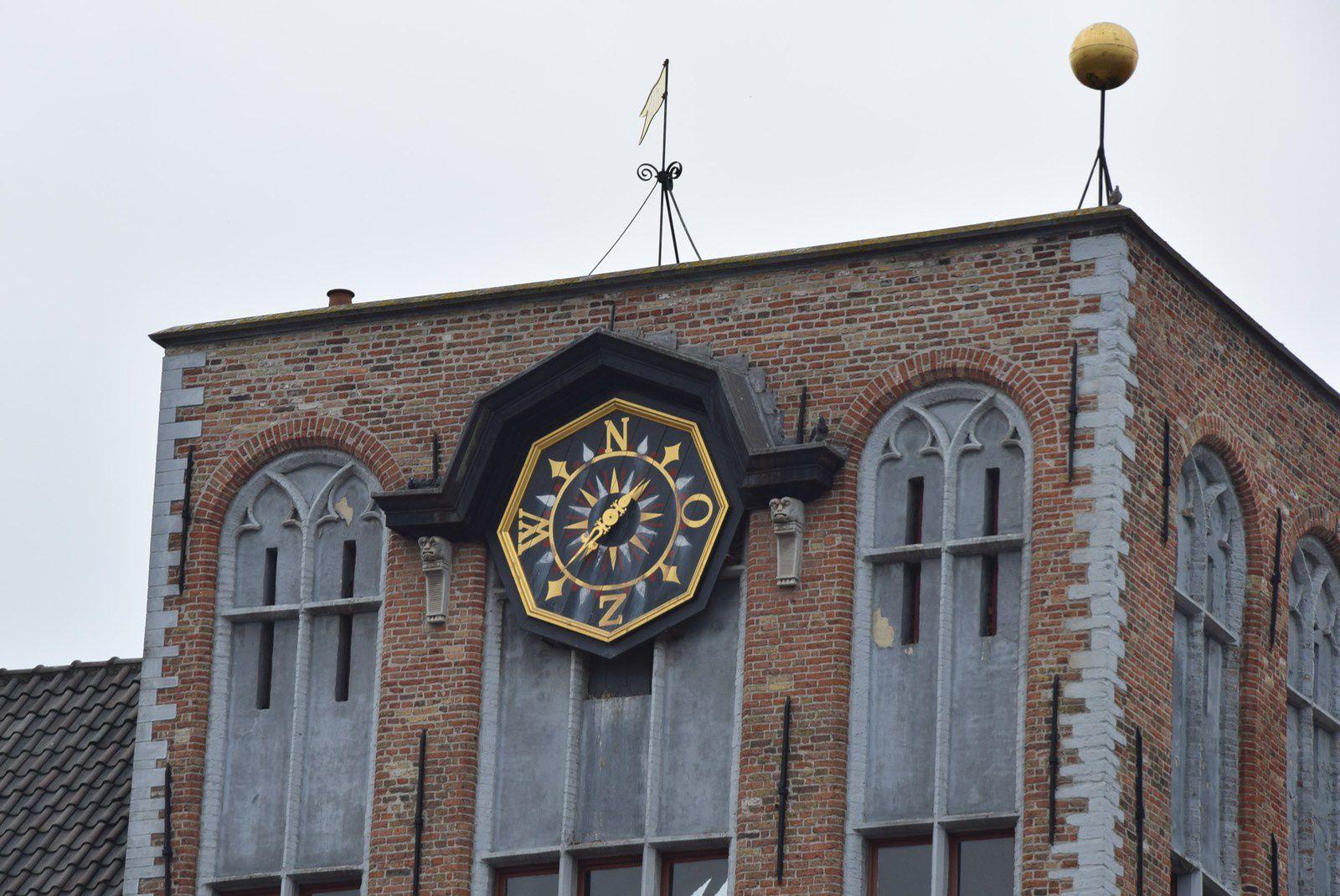 Bruges 1/6: Marktplatz ou la Place du Marché