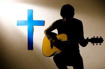 Chanter et jouer pour Dieu