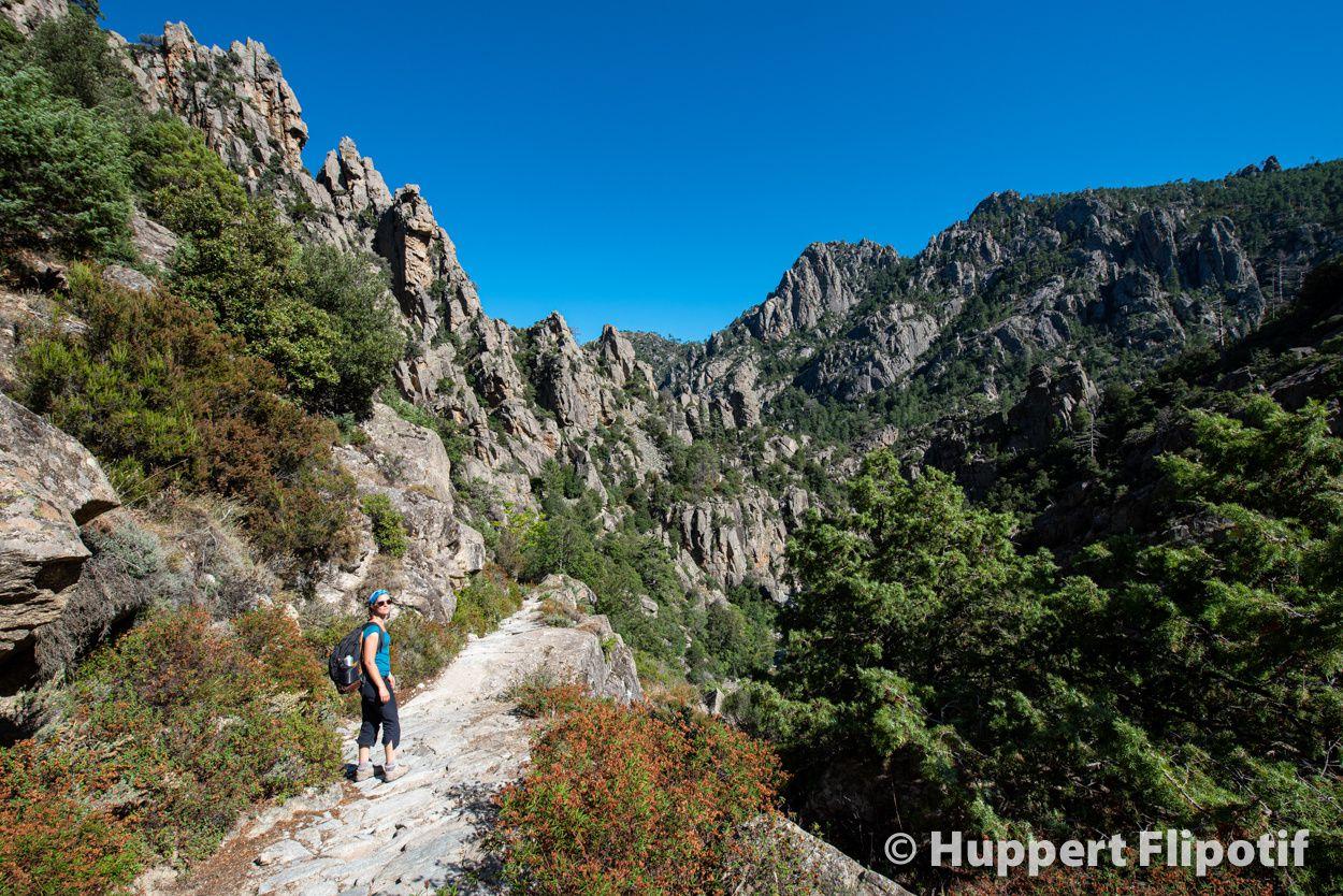 Corse, les gorges de Tavignano à partir du village de Corte