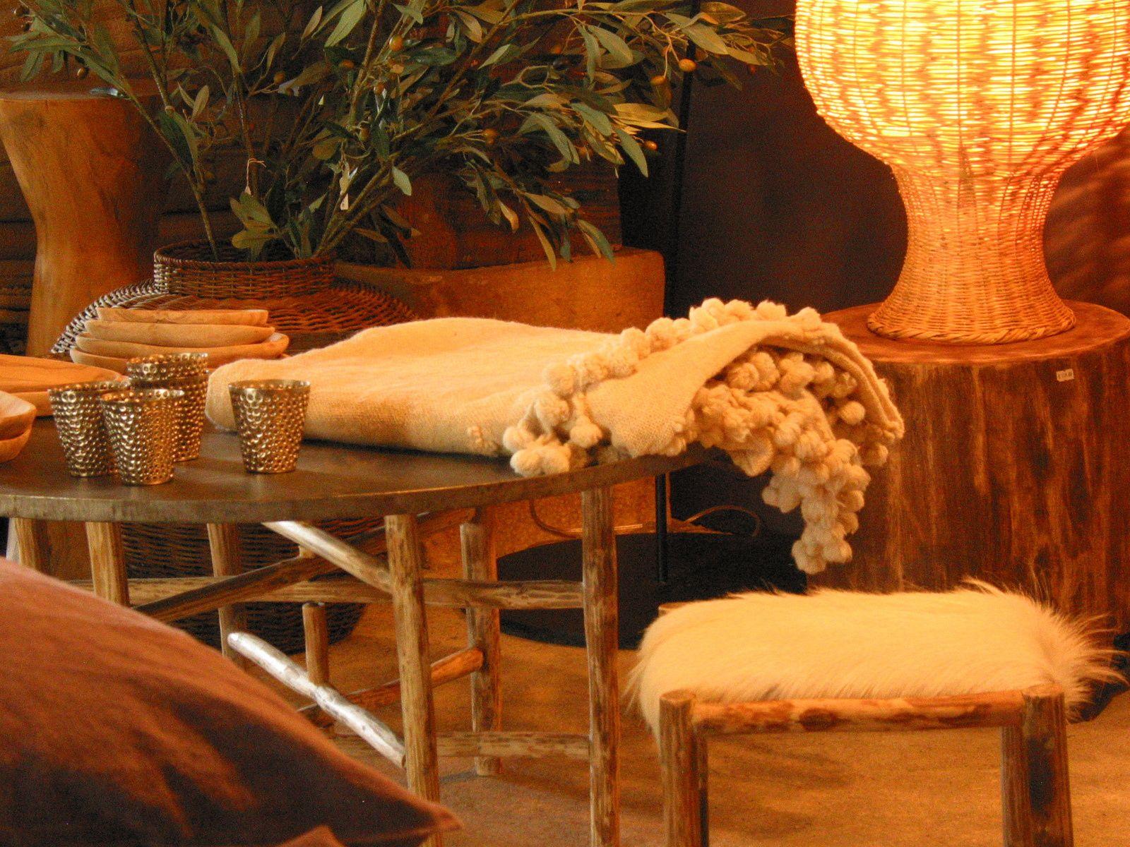plaids en laine filé et tissé à la main et suzanis anciens