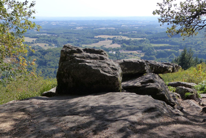 De la pierre branlante de Sauvagnac, le point de vue à couper le souffle sur plus de 50 km à la ronde a bien mérité le détour.