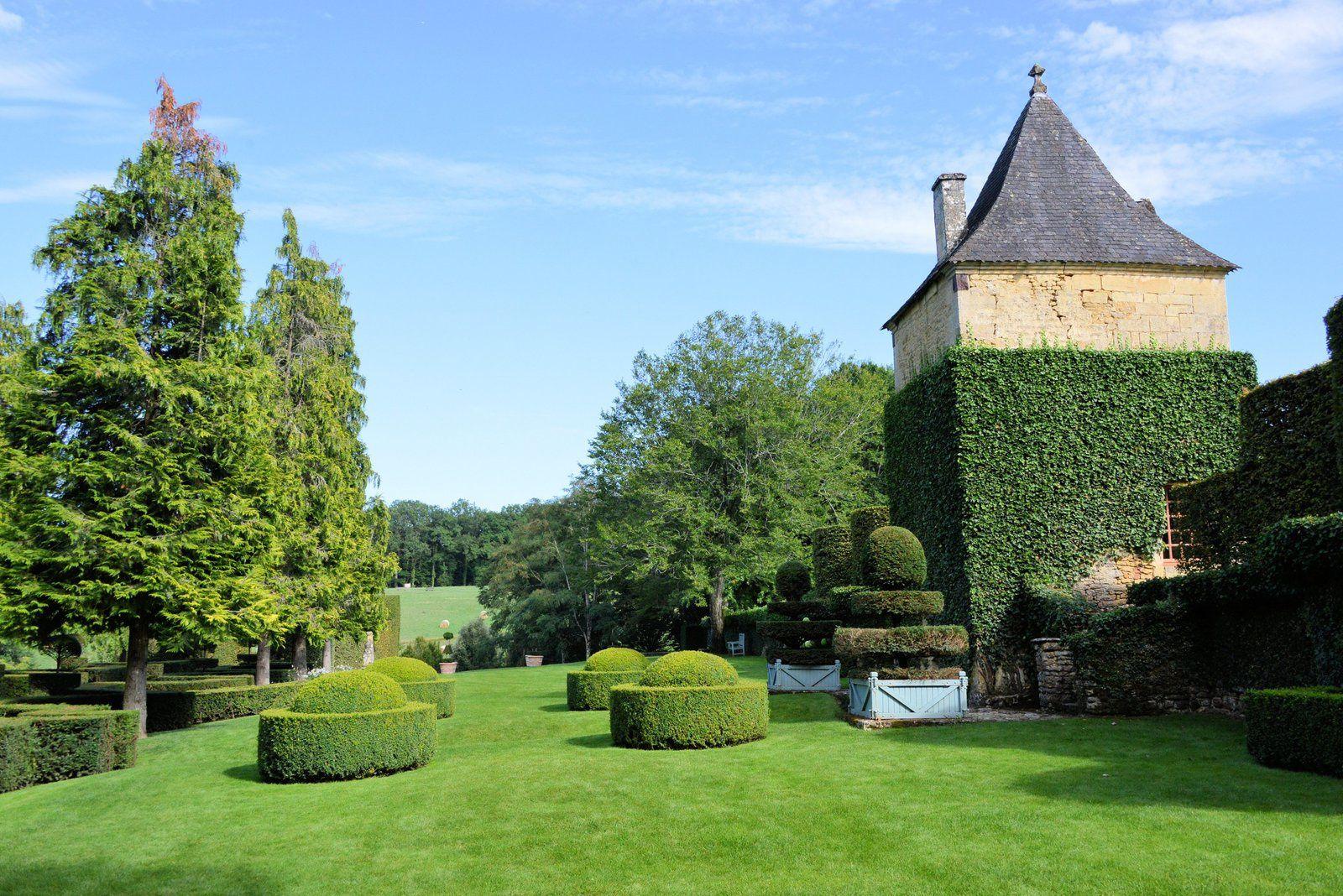 Le 29 juillet : Les jardins du Manoir d'Eyrignac entre Sarlat et Lascaux.