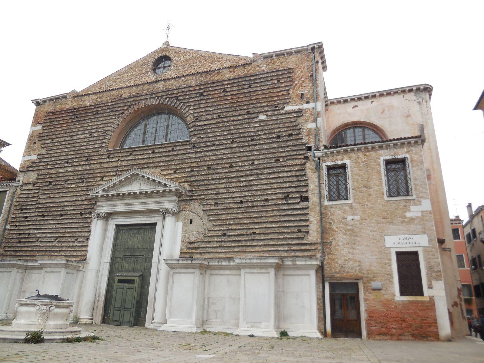 Le campo San Marcuola et l'église du même nom. (Eglise construite vers le Xème siècle et transformée au cours du XVIIIème)