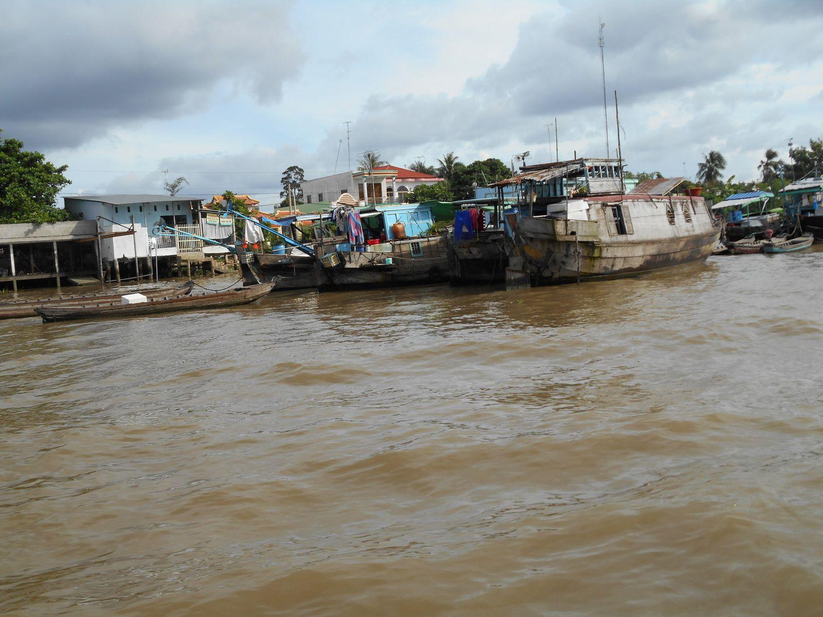 Le marché flottant de Caï Be tire à sa fin...