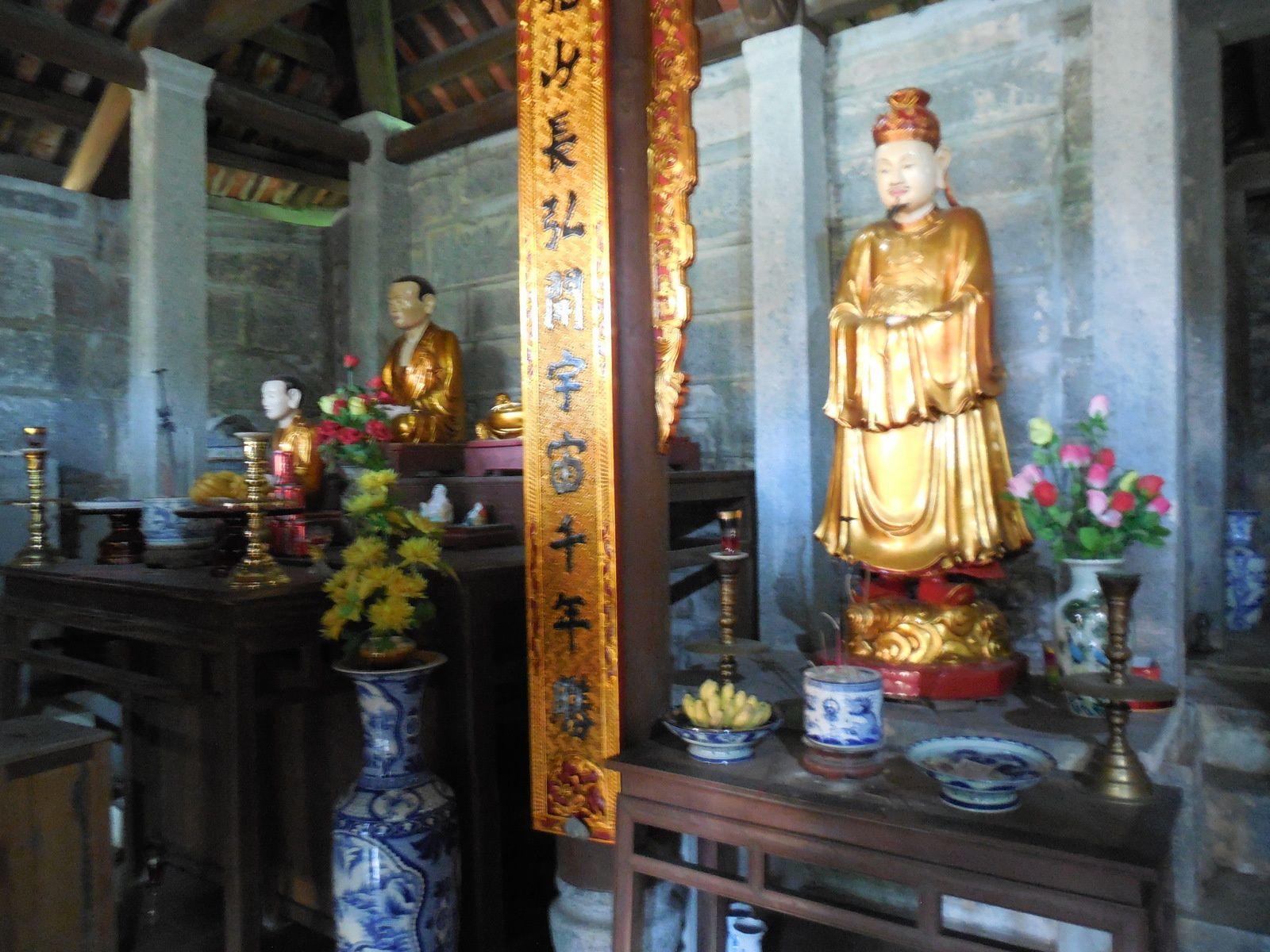 composée de 5 pièces destinées au culte de Bouddha.