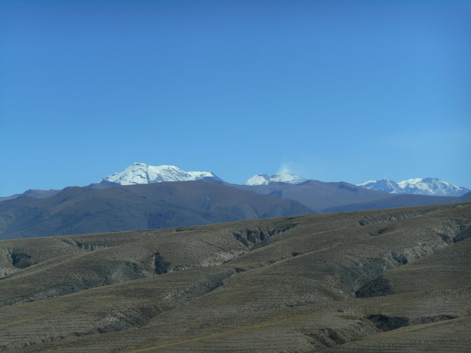 Les nombreux volcans: Ampato, Sabancaya, Hualca...
