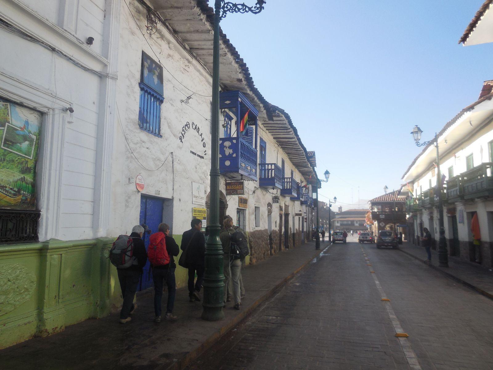 Direction la Iglesia y Convento de Santo Domingo...