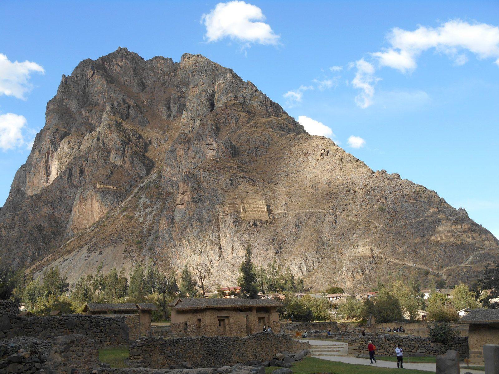 Sur les flancs de cet éperon rocheux, un poste d'observation militaire et des silos...