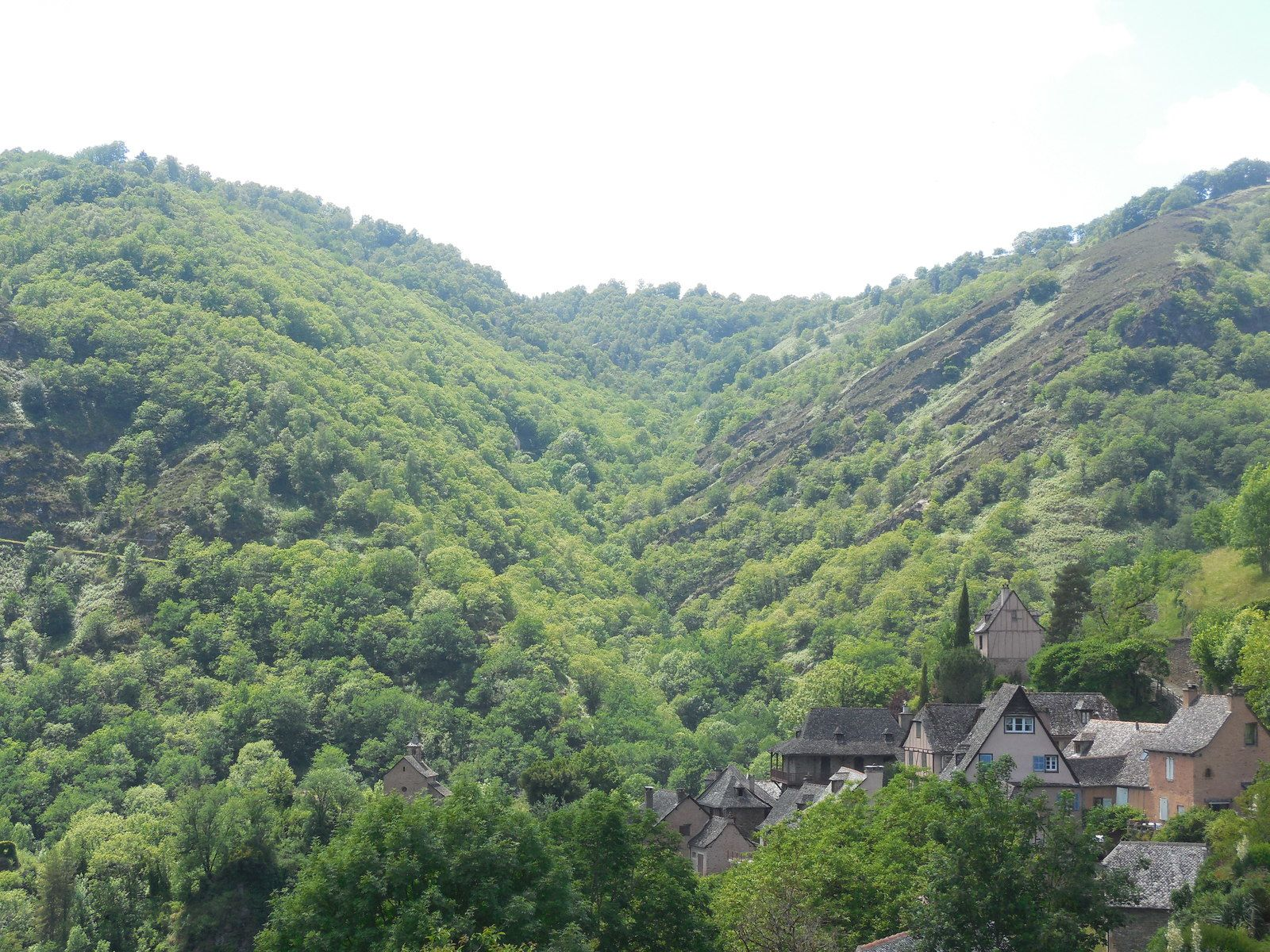 Les plus beaux villages de France: Conques (Aveyron)