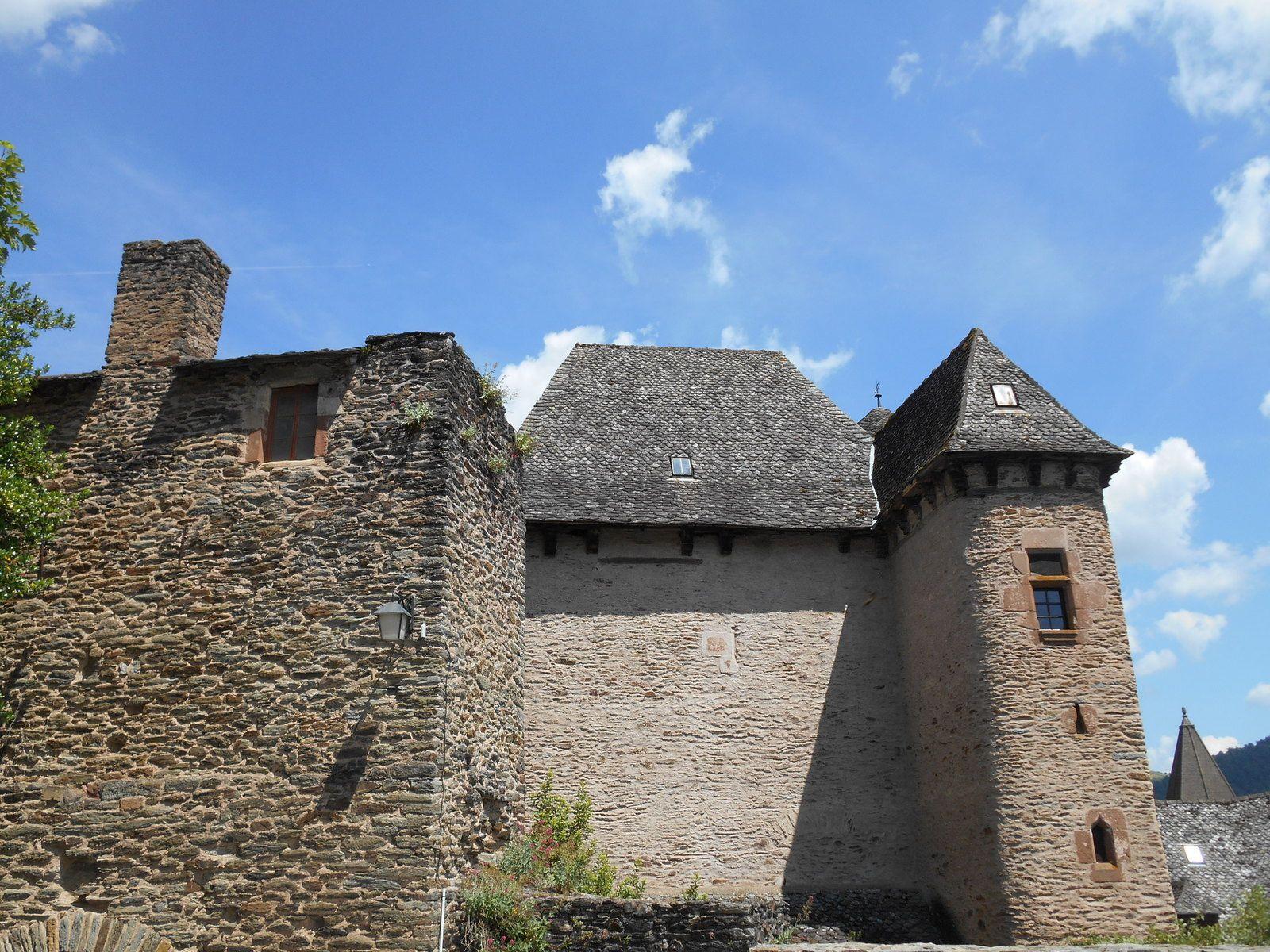 Les plus beaux villages de France: Conques (Aveyron)