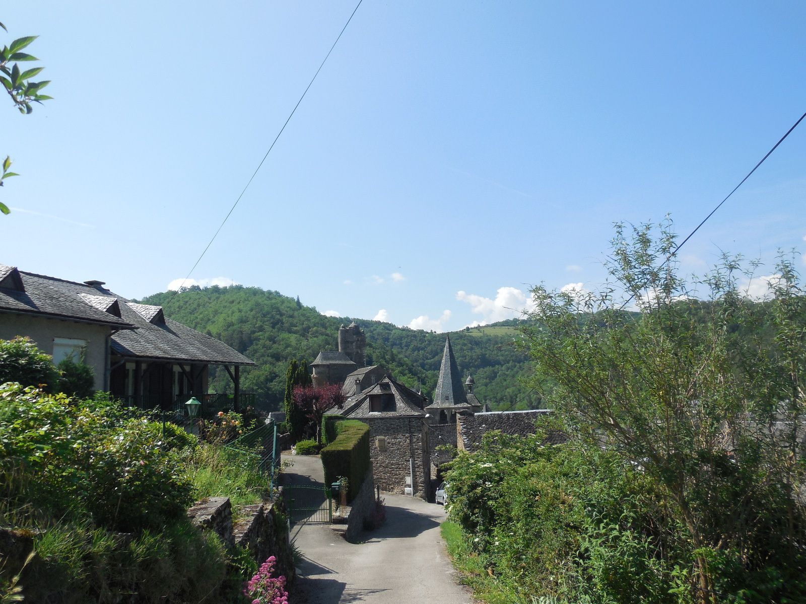 Les plus beaux villages de France: Estaing (Aveyron)