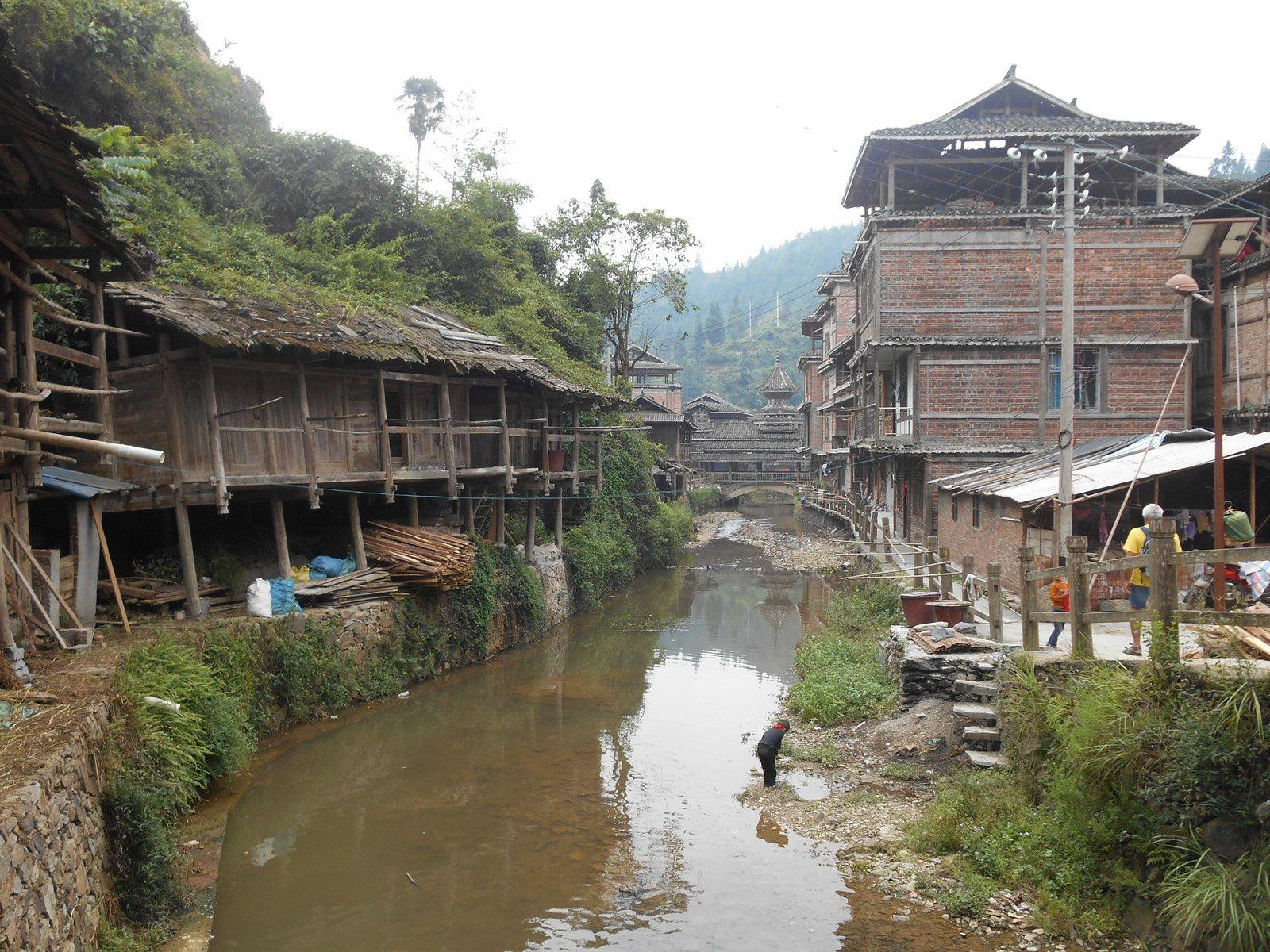 Chine: jour 10- Une boucle autour du village de Zhaoxing.-2-