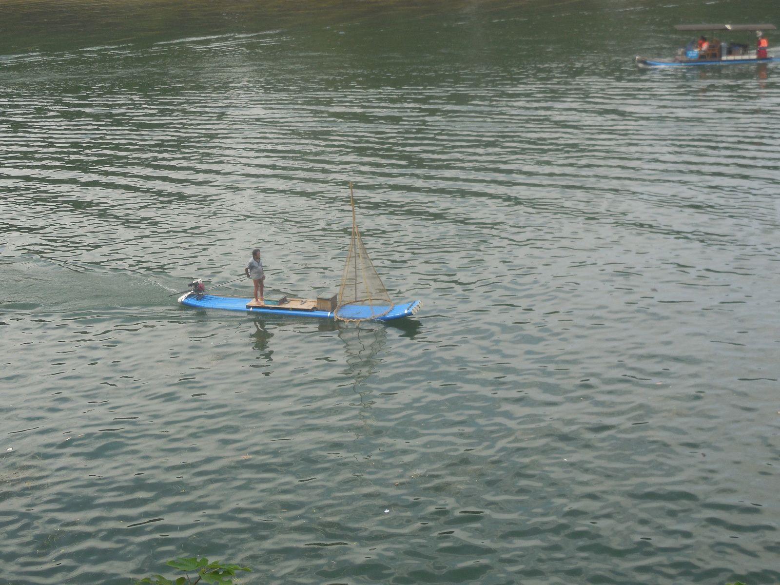Pêcheur sur la rivière Li...