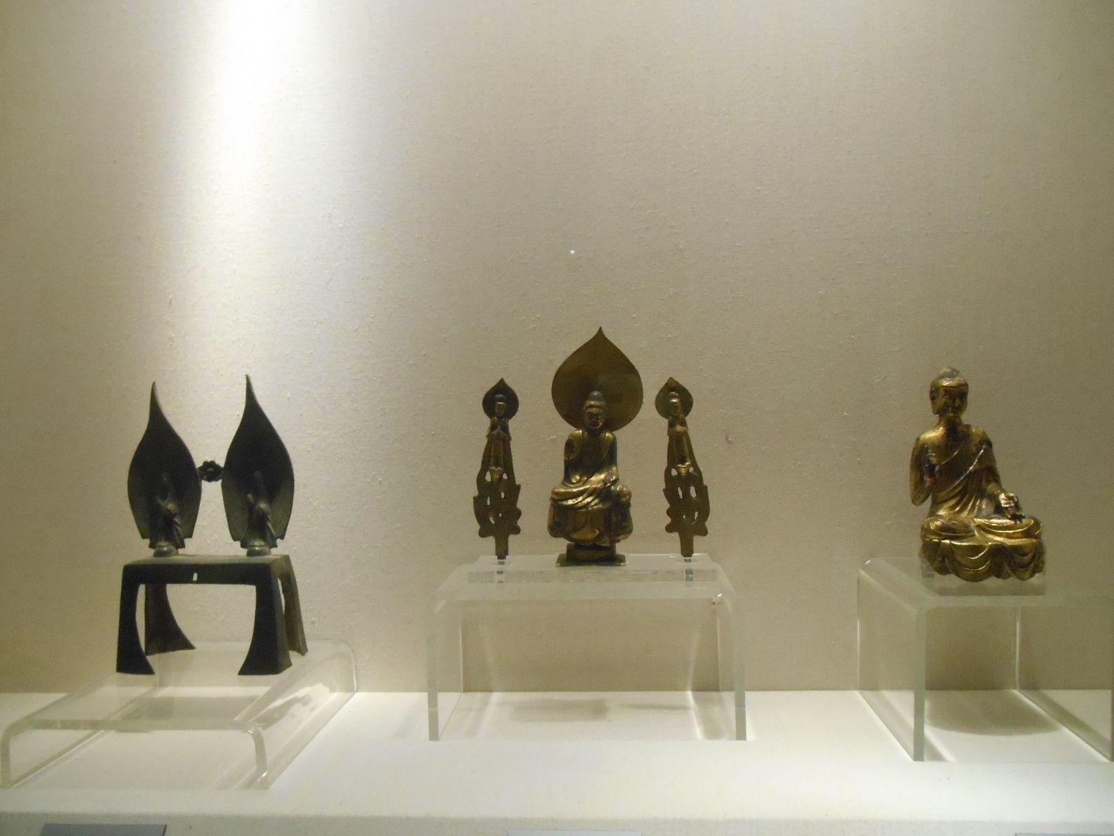 S'y trouve également la galerie des bronzes...