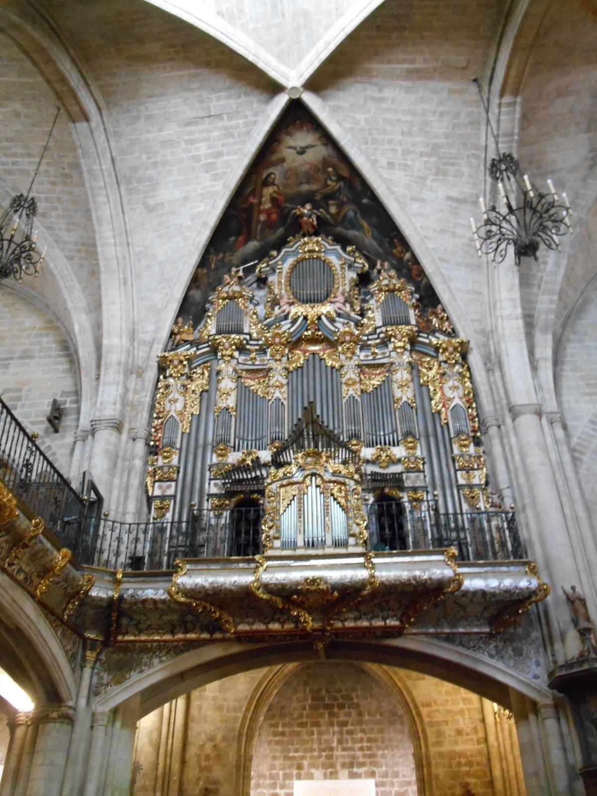 L'orgue datant de 1719-1720...