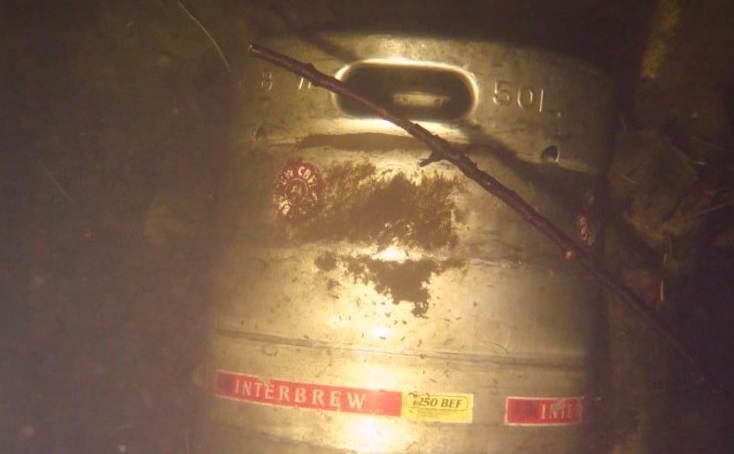 Some interesting underwater finds (pictures DifferentDive)